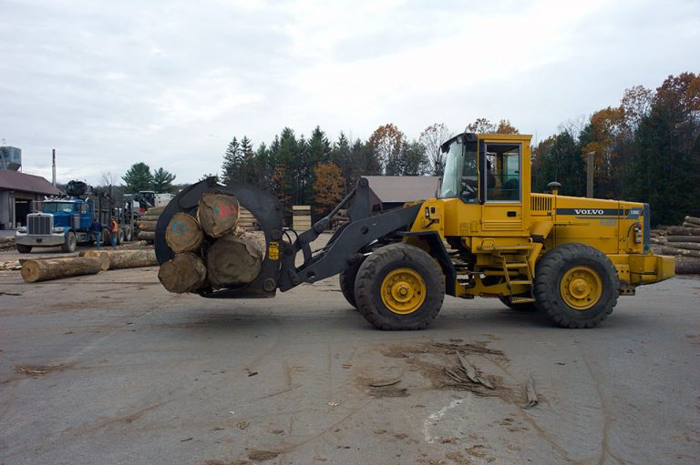 Front end loader